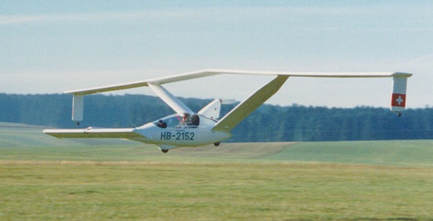 Canard SCM from Bucher Leichtbau. Development of canard aircraft - building and testing.